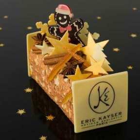 Eric Kayser. L'artisan-boulanger s'est plongé dans ses souvenirs d'enfance et fait référence à ses origines alsaciennes avec cette bûche composée d'un biscuit spéculoos, d'un crémeux à la fève de tonka et d'une mousse au chocolat noir 62%. Sans oublier le petit bonhomme en pain d'épices. 50€/6pers