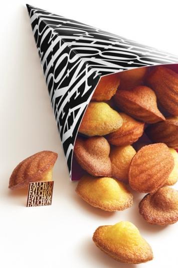 kiosque-madeleines-fauchon-place-de-la-madeleine-paris-8-4136643448